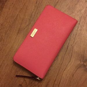 Kate Spade Coral Wallet Brand New